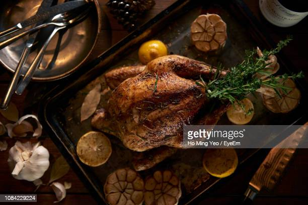 christmas decorations - roast chicken stock pictures, royalty-free photos & images
