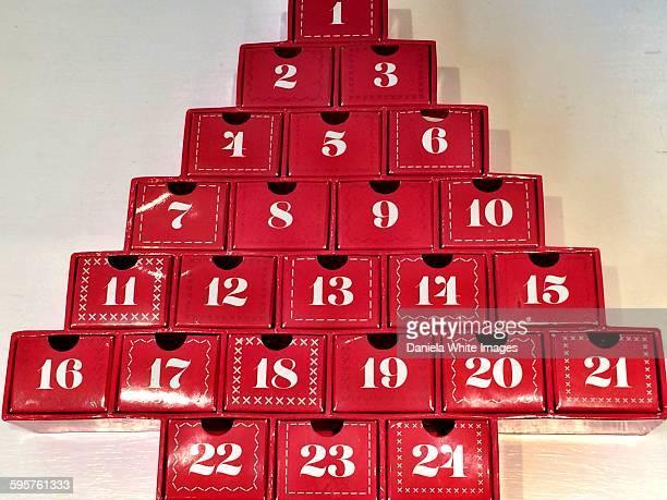 christmas decorations - advent calendar fotografías e imágenes de stock