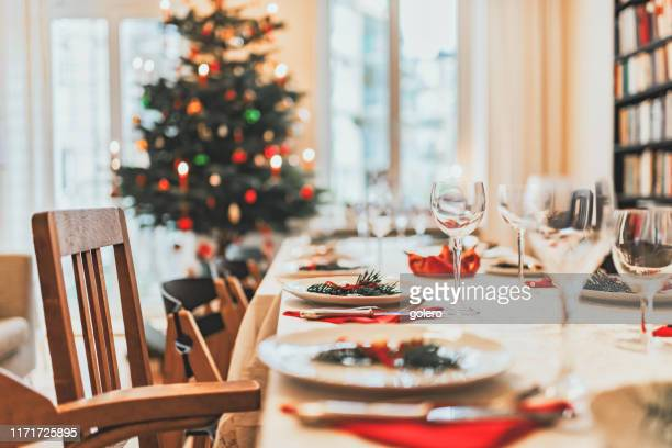 christmas dining table - table stock pictures, royalty-free photos & images