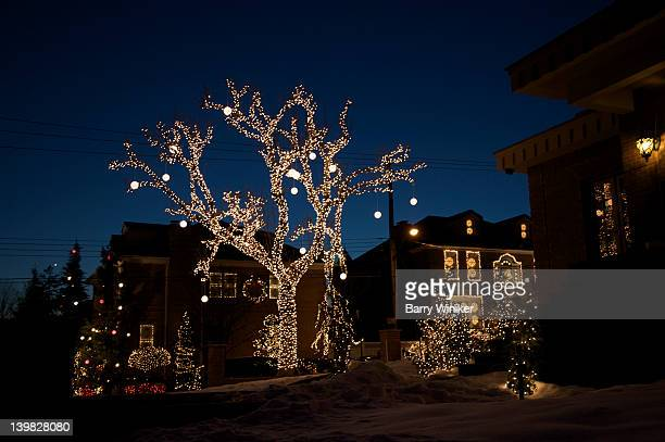 christmas display in dyker heights, brooklyn, new york, u.s.a. - brooklyn new york stock pictures, royalty-free photos & images