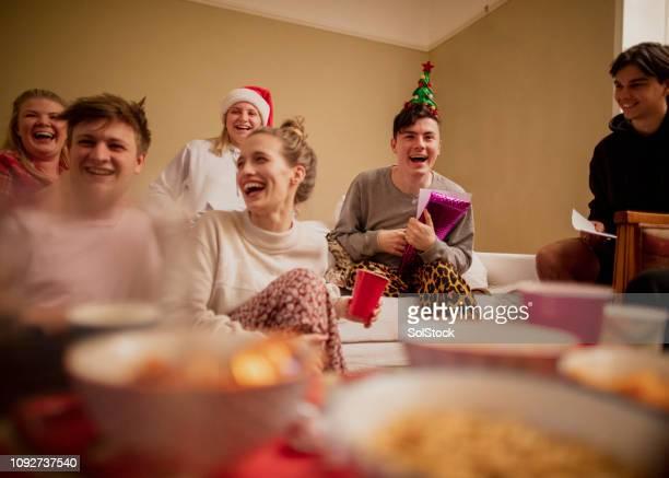weihnachten erleben sie überraschung - gast stock-fotos und bilder