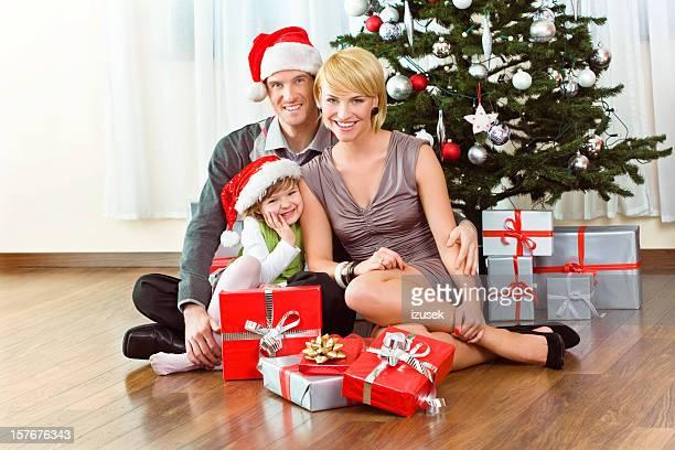 weihnachten familien portrait - izusek stock-fotos und bilder