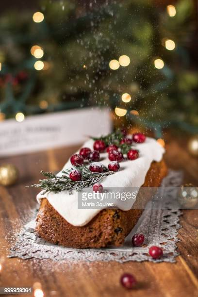 christmas fruitcake - christmas cake stock photos and pictures