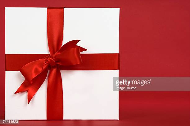 christmas gift - gift box stock pictures, royalty-free photos & images