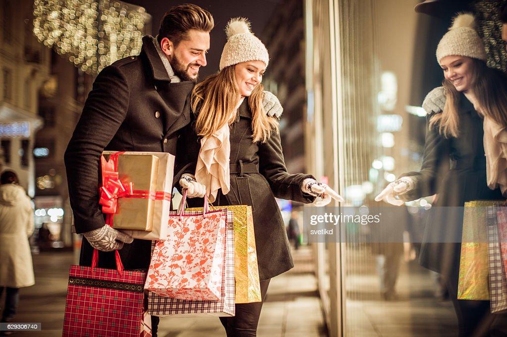 Christmas gift shopping : Stock-Foto