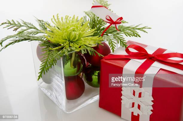 christmas gifts - climat stock pictures, royalty-free photos & images