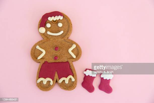 christmas gingerbread - gingerbread men stock pictures, royalty-free photos & images