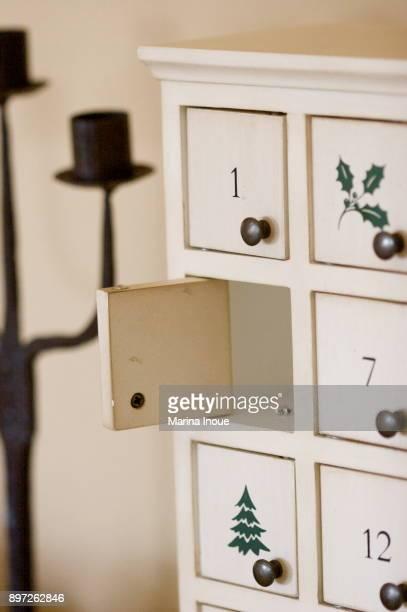 christmas home decor - advent calendar fotografías e imágenes de stock