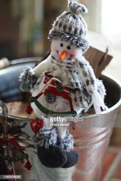 christmas home decorations - christmas decore candle stock pictures, royalty-free photos & images