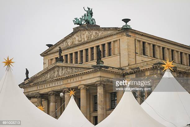 christmas in berlin - konzerthaus berlin stock pictures, royalty-free photos & images