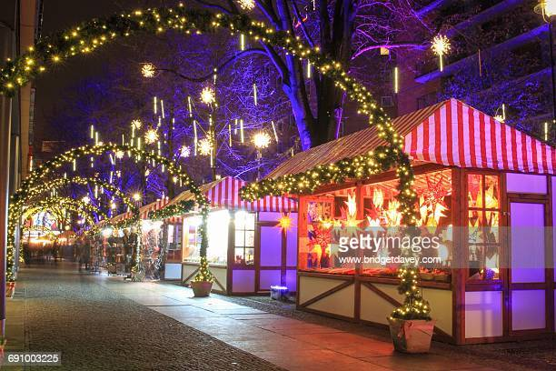 christmas in berlin - potsdamer platz stock pictures, royalty-free photos & images