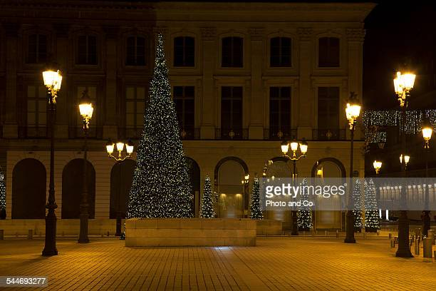 christmas light in the street - ヴァンドーム広場 ストックフォトと画像