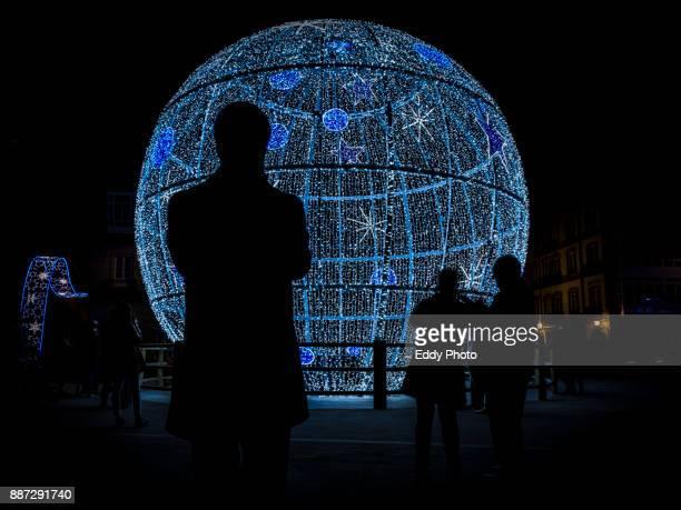 christmas lights and carnival in la coruña. - reyes magos regalos fotografías e imágenes de stock