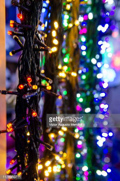 christmas lights - resplandeciente stock pictures, royalty-free photos & images