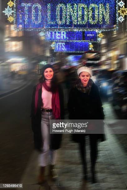 christmas lights to london with love - howard pugh stock pictures, royalty-free photos & images
