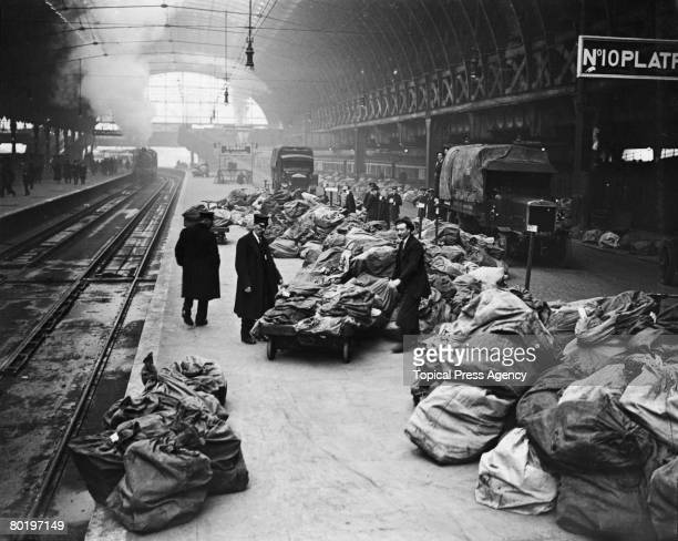 Christmas mail arrives at Paddington station in London, December 1922.