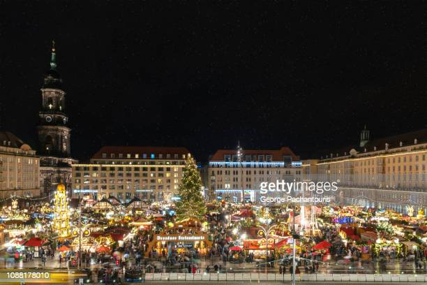 christmas market at night in dresden, germany - dresden germany stock pictures, royalty-free photos & images