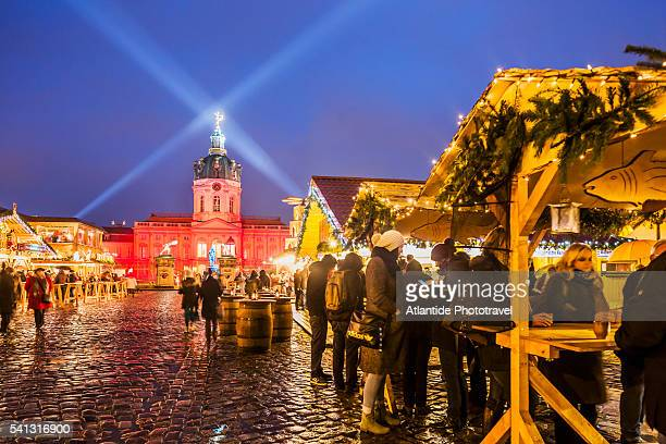 Christmas market at Schloss Charlottenburg, on the background the Alte Schloss (Old Castle)