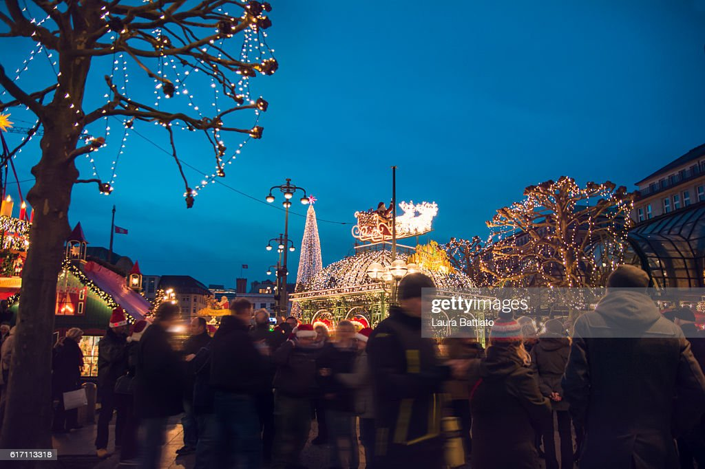Christmas market at the Hamburg Rathaus Markt : Stock Photo