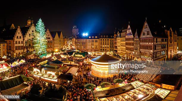 christmas market, frankfurt am main - christmas market stock pictures, royalty-free photos & images