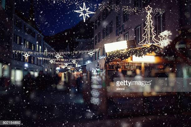 mercado de natal na suíça, chur - mercado natalino - fotografias e filmes do acervo