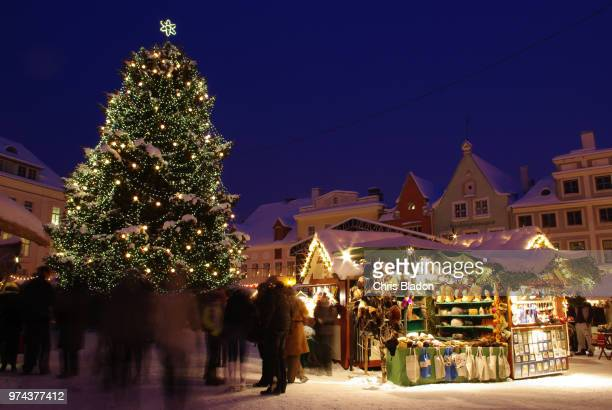 christmas market in tallinn, harju county, estonia - christmas market stock pictures, royalty-free photos & images