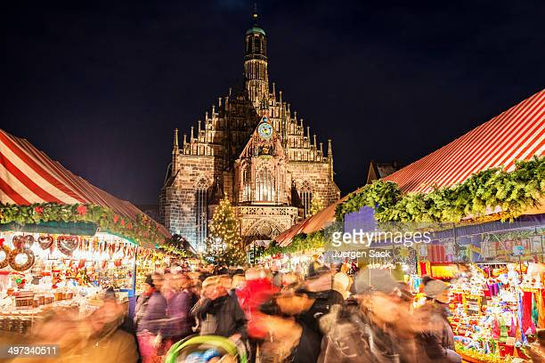 christmas market nuremberg (nürnberger christkindlesmarkt) - germany stock pictures, royalty-free photos & images