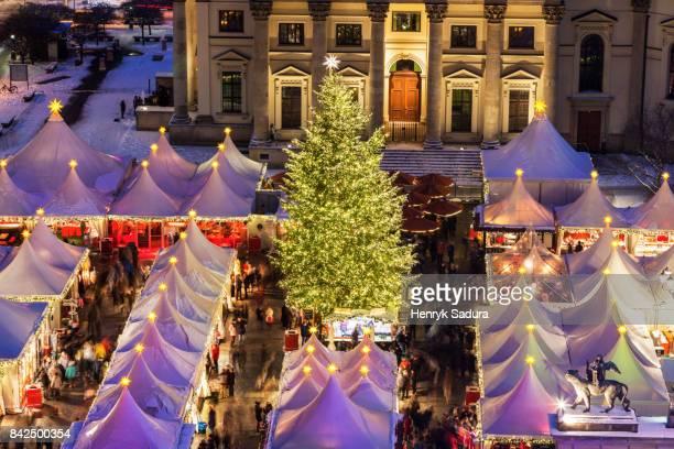 christmas on gendarmenmarkt in berlin - gendarmenmarkt stock photos and pictures