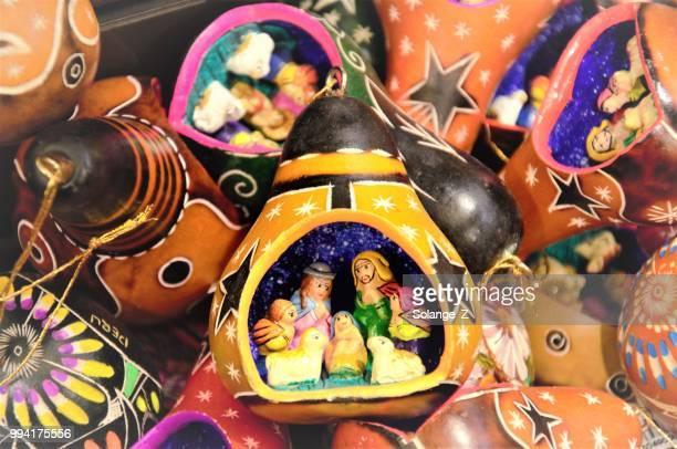navidad peruana adorno souvenir - cultura peruana fotografías e imágenes de stock