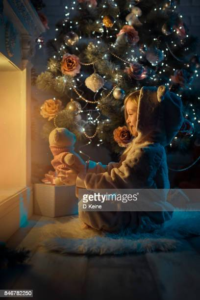christmas - vertical stock pictures, royalty-free photos & images