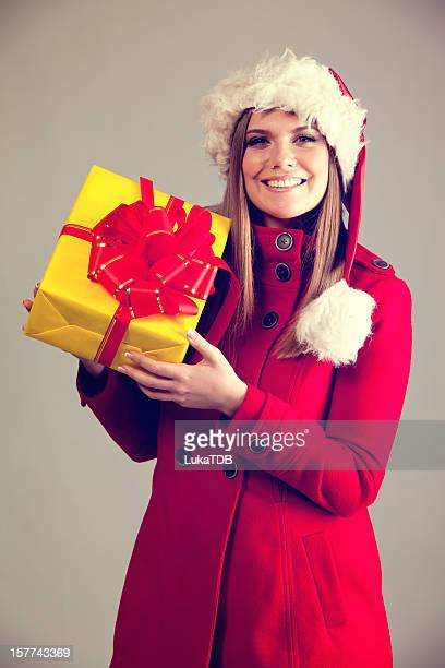 weihnachts geschenke - weihnachtsfrau stock-fotos und bilder
