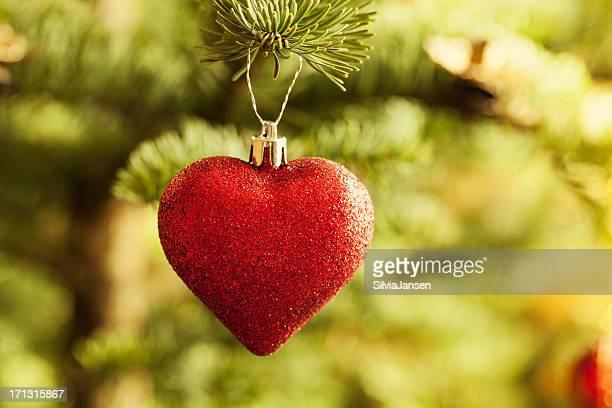 クリスマスレッドハート型の宝石ツリー