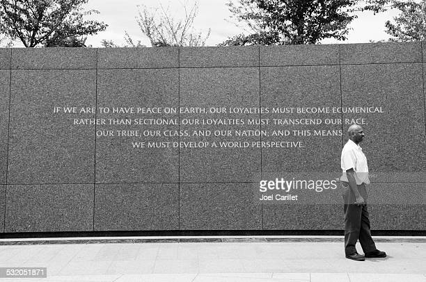 christmas sermon quote at the martin luther king jr memorial - black civil rights stock pictures, royalty-free photos & images