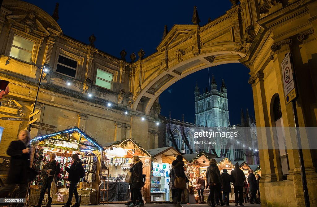 A beautiful setting close to the historic Roman Baths and Bath Abbey, make this a popular choice if you are in the UK.