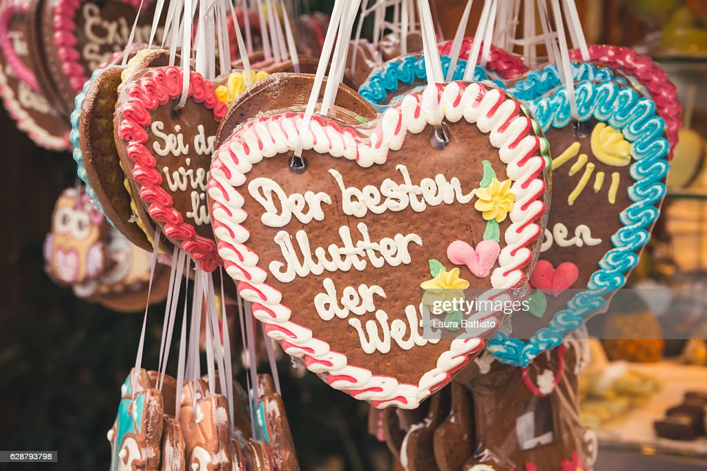 Christmas Shopping - German Lebkuchen cookies for sale in a Christmas market stall : Stock Photo