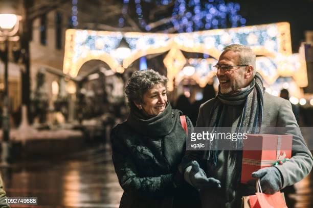 compras de natal - mercado natalino - fotografias e filmes do acervo