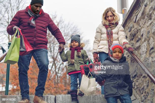 christmas shopping - commercial activity stock pictures, royalty-free photos & images