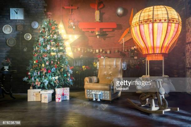 Weihnachtsdekoration-Studio im Luftfahrt-Stil