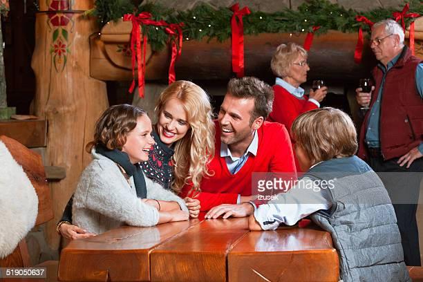 weihnachtszeit zeit - izusek stock-fotos und bilder
