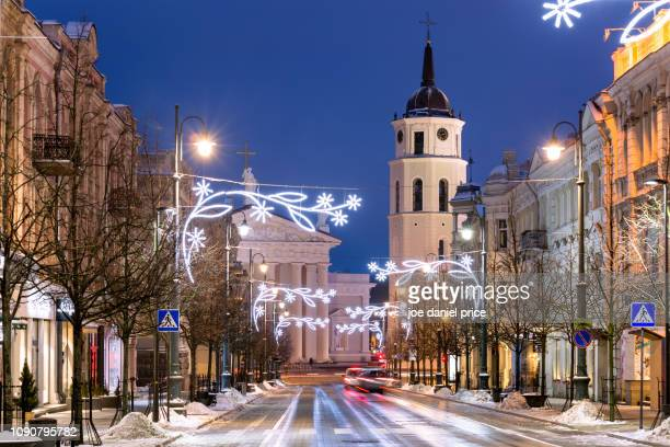 christmas time, vilnius cathedral, vilnius, lithuania - cathedral stock pictures, royalty-free photos & images