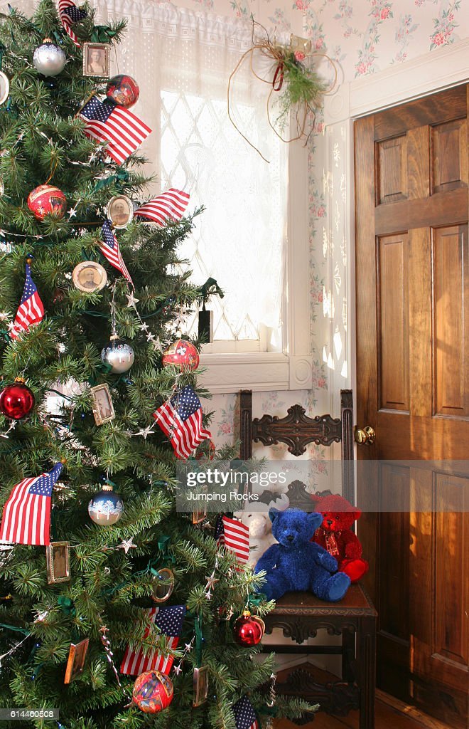 Christmas Tree Decorated With American Stars And Stripes Theme News Photo Getty Images