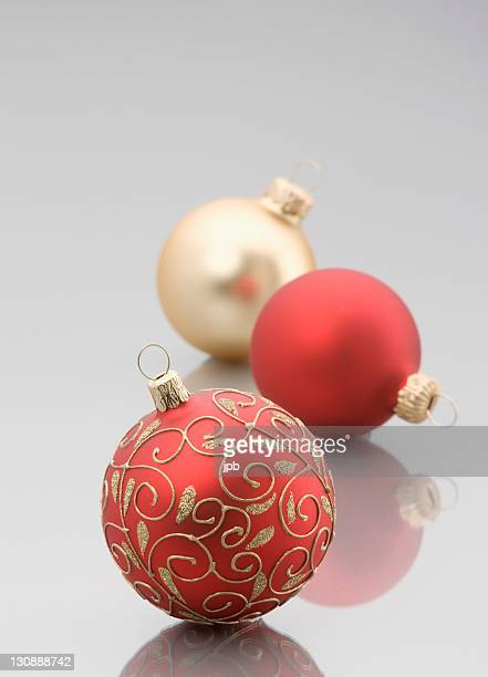 christmas tree decoration balls - scrollen stock pictures, royalty-free photos & images