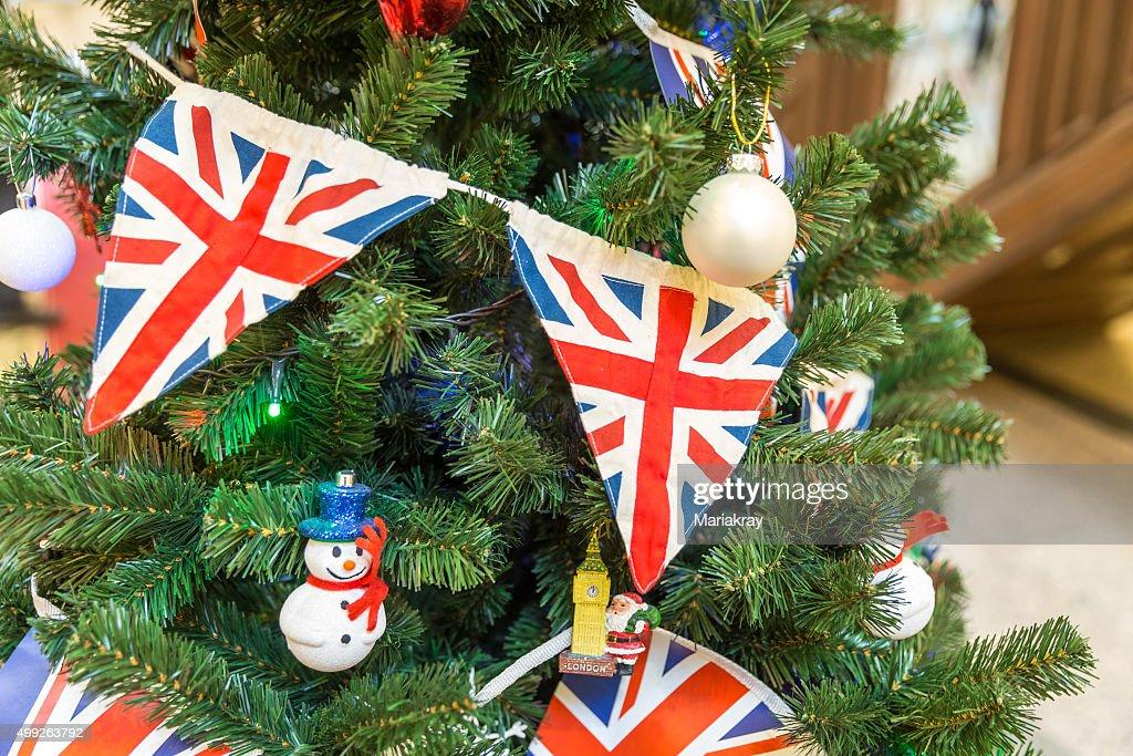 Tannenarten Weihnachtsbaum.Weihnachtsbaum Dekoriert Mit Britischer Flagge Stock Foto Getty Images
