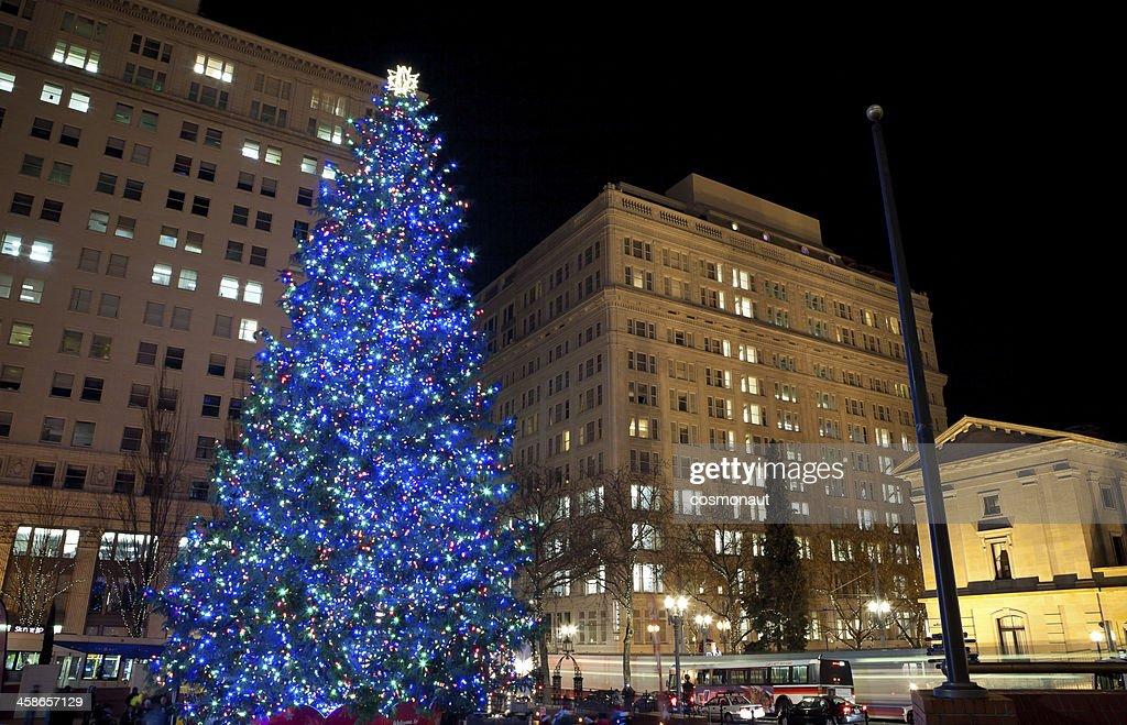 Portland Christmas Tree.Christmas Tree In Downtown Portland Oregon High Res Stock