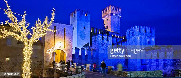 christmas tree in sirmione, italy - mere noel stock pictures, royalty-free photos & images