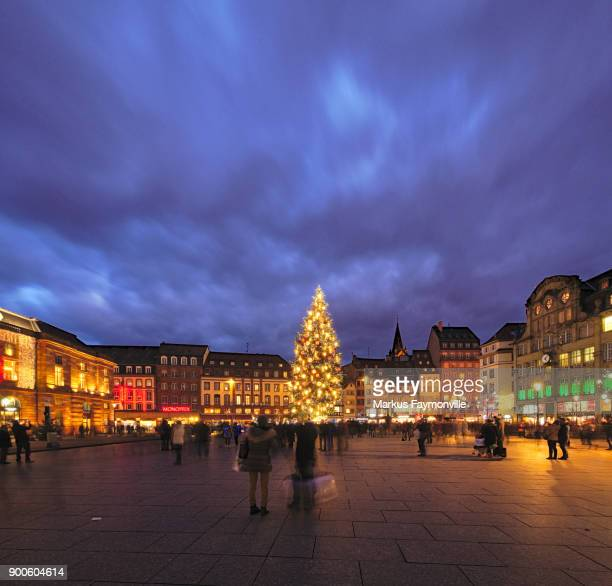 christmas tree in strasbourg town centre - strasbourg stock pictures, royalty-free photos & images