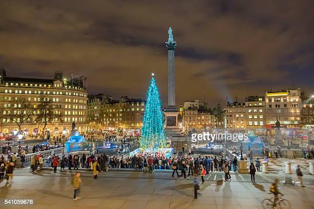 christmas tree in trafalgar square - trafalgar square stock pictures, royalty-free photos & images