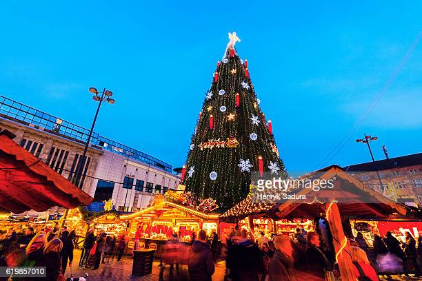 christmas tree on hansaplatz in dortmund - dortmund city stock pictures, royalty-free photos & images