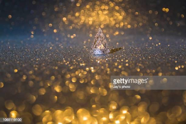 christmas tree - sapin de noel humour photos et images de collection