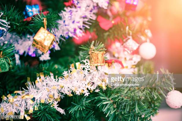 christmas tree - tinsel stock pictures, royalty-free photos & images